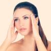 Часті головні болі у жінок: причини