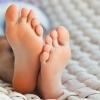Які народні засоби допомагають позбутися пітливості ніг?