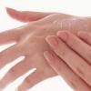 Захистити шкіру рук від обвітрювання