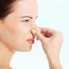 Жовті виділення з запахом у жінок